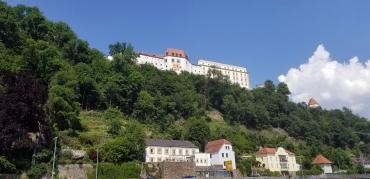 Veste Oberhaus - Across River